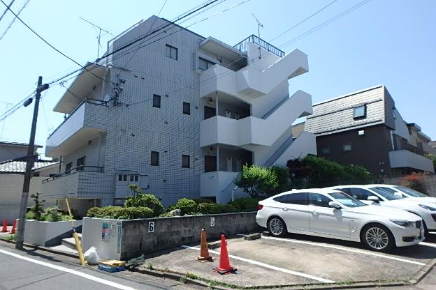 東京都目黒区、祐天寺駅徒歩15分の築27年 3階建の賃貸マンション