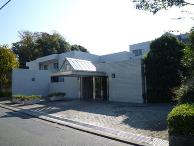 東京都杉並区、荻窪駅徒歩16分の築27年 3階建の賃貸マンション