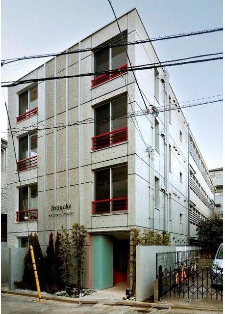 東京都目黒区、神泉駅徒歩8分の築4年 4階建の賃貸マンション