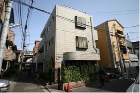 東京都目黒区、祐天寺駅徒歩9分の築25年 3階建の賃貸マンション