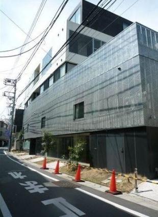 東京都目黒区、神泉駅徒歩11分の築7年 5階建の賃貸マンション