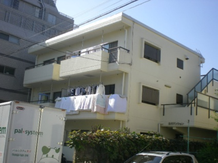 東京都杉並区、荻窪駅徒歩14分の築30年 3階建の賃貸マンション