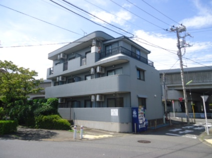 東京都世田谷区、千歳船橋駅徒歩15分の築20年 3階建の賃貸マンション