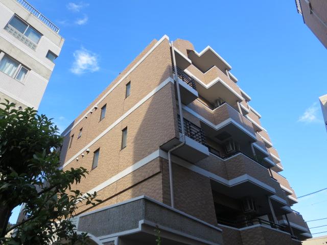 東京都世田谷区、二子玉川駅徒歩3分の築17年 5階建の賃貸マンション