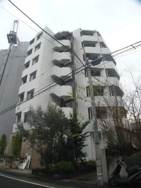 東京都世田谷区、用賀駅徒歩6分の築13年 7階建の賃貸マンション