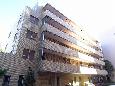 東京都渋谷区、渋谷駅徒歩7分の築30年 5階建の賃貸マンション