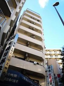 東京都世田谷区、神泉駅徒歩19分の築26年 9階建の賃貸マンション