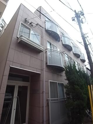東京都世田谷区、三軒茶屋駅徒歩17分の築18年 3階建の賃貸マンション