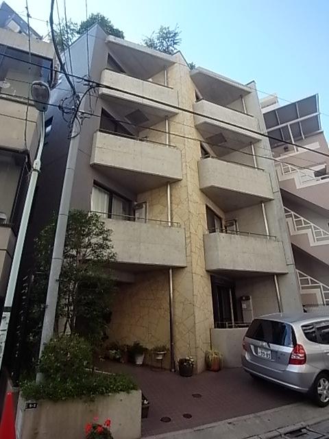 東京都渋谷区、渋谷駅徒歩6分の築12年 5階建の賃貸マンション