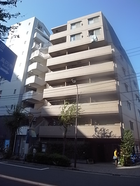 東京都世田谷区、三軒茶屋駅徒歩10分の築9年 8階建の賃貸マンション