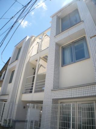 東京都世田谷区、池尻大橋駅徒歩10分の築9年 3階建の賃貸アパート