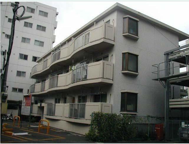 東京都世田谷区、駒沢大学駅徒歩11分の築31年 3階建の賃貸マンション