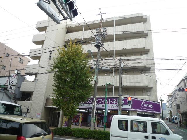 東京都世田谷区、松陰神社前駅徒歩9分の築30年 6階建の賃貸マンション