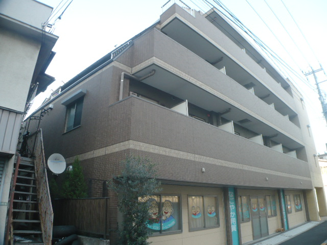 東京都世田谷区、桜新町駅徒歩20分の築9年 4階建の賃貸マンション