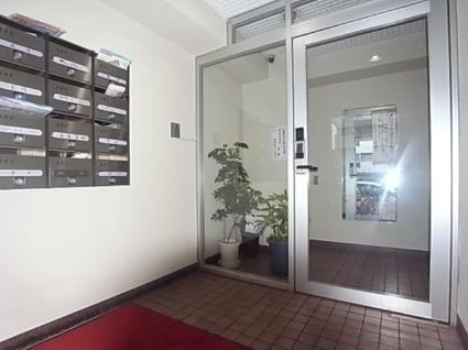 東京都渋谷区、幡ヶ谷駅徒歩6分の築35年 8階建の賃貸マンション