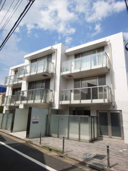 東京都目黒区、都立大学駅徒歩10分の築14年 3階建の賃貸マンション