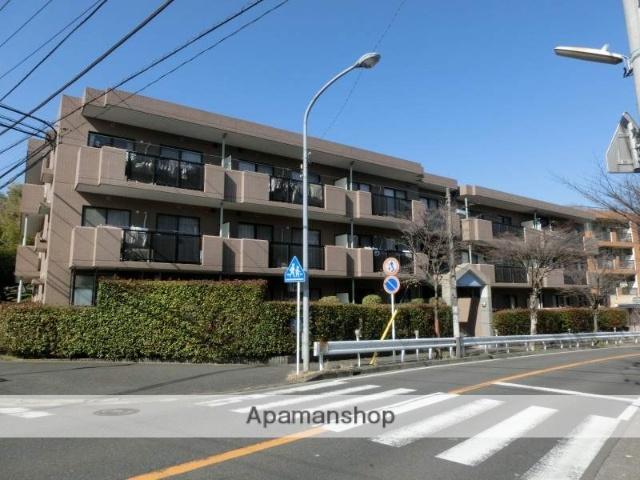 神奈川県横浜市青葉区、たまプラーザ駅バス8分満願寺下車後徒歩5分の築18年 3階建の賃貸マンション