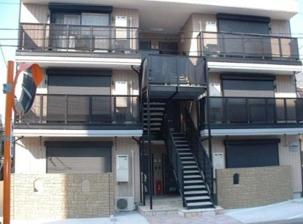 神奈川県川崎市中原区、武蔵中原駅徒歩16分の築15年 3階建の賃貸アパート