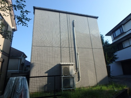 神奈川県横浜市鶴見区、鶴見駅市営バスバス20分菊名地区センター前下車後徒歩5分の築24年 2階建の賃貸アパート