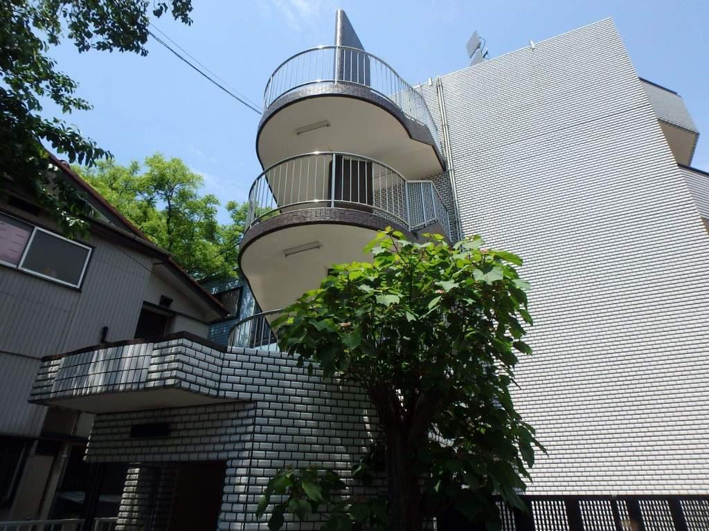神奈川県横浜市港北区、元住吉駅徒歩17分の築30年 5階建の賃貸マンション