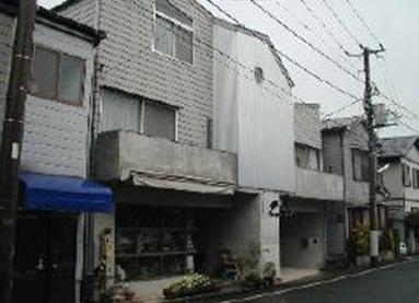 神奈川県横浜市神奈川区、大口駅徒歩8分の築18年 3階建の賃貸マンション