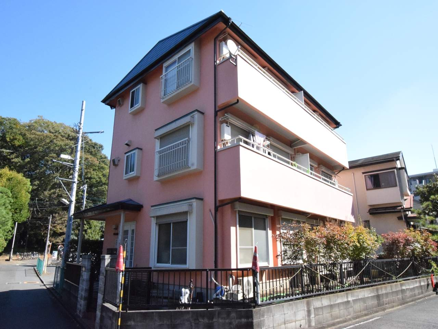 神奈川県相模原市南区、古淵駅徒歩4分の築23年 3階建の賃貸アパート