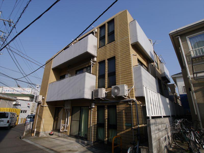 東京都町田市、町田駅バス10分上宿下車後徒歩2分の築30年 3階建の賃貸マンション