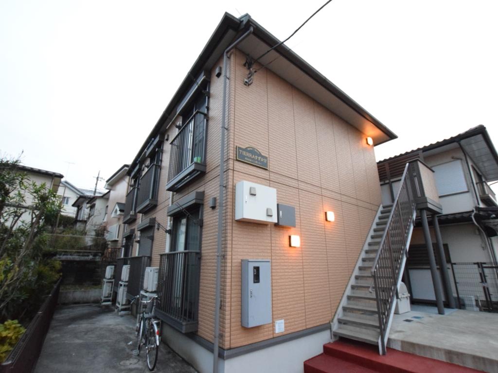 東京都町田市、すずかけ台駅徒歩5分の築10年 2階建の賃貸アパート