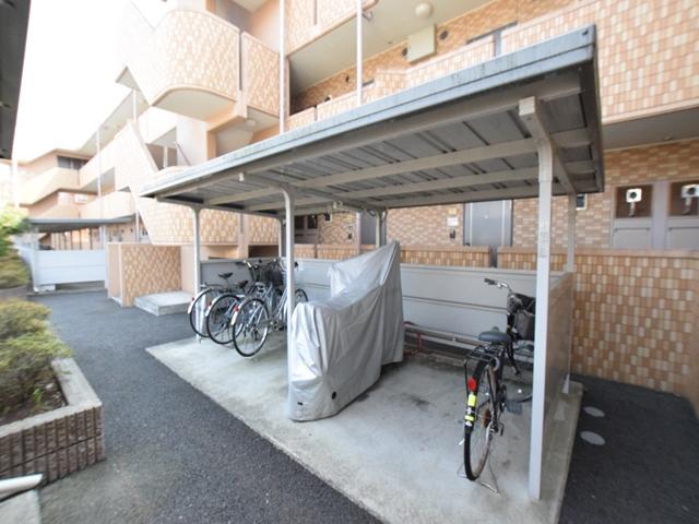 神奈川県大和市、南林間駅徒歩19分の築11年 3階建の賃貸マンション