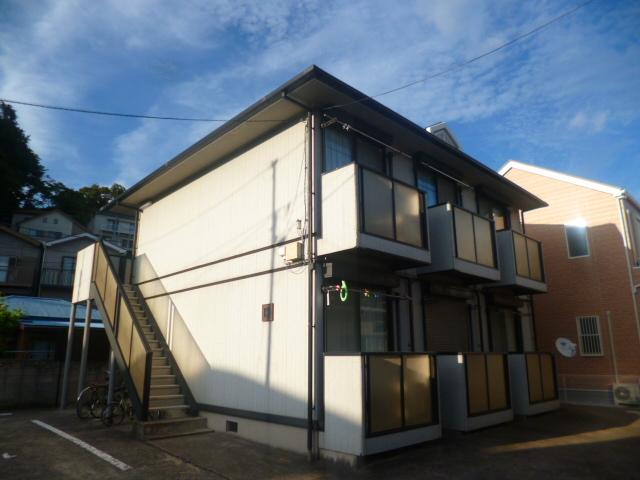 神奈川県横須賀市、追浜駅徒歩6分の築17年 2階建の賃貸アパート