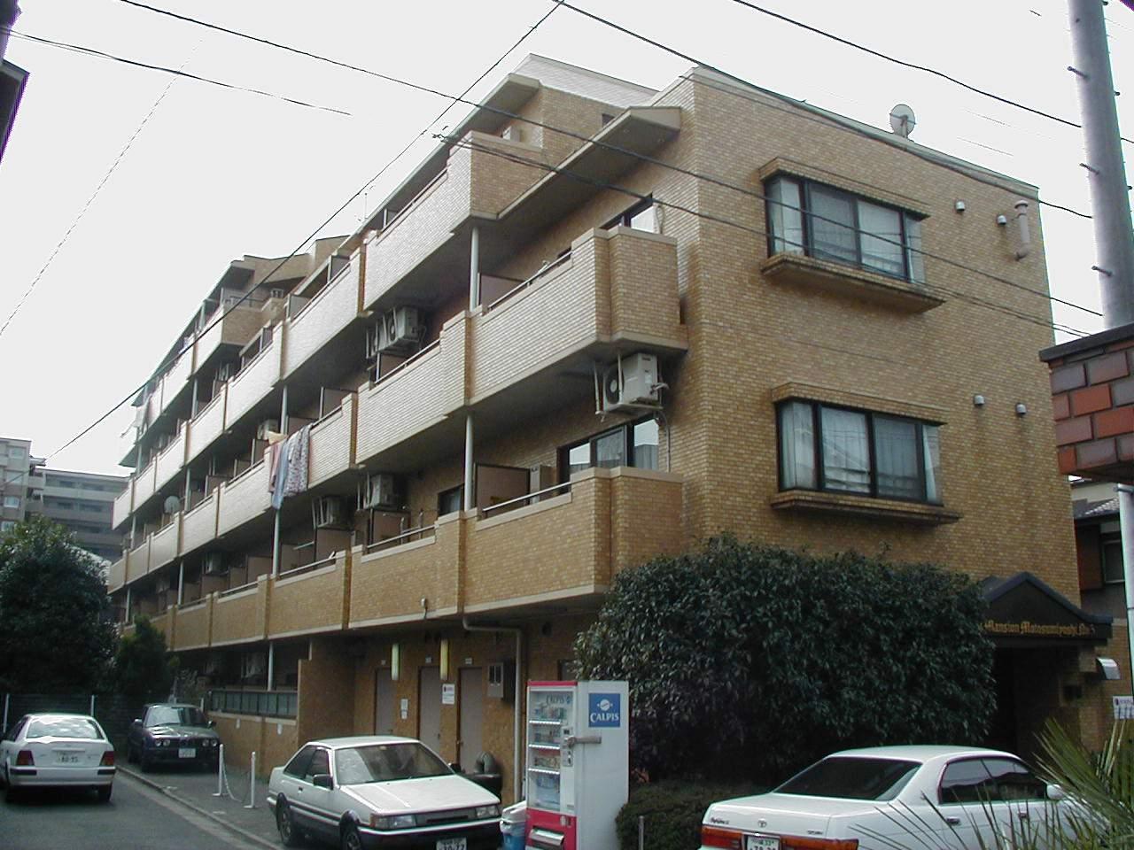 神奈川県川崎市中原区、武蔵小杉駅徒歩20分の築26年 5階建の賃貸マンション