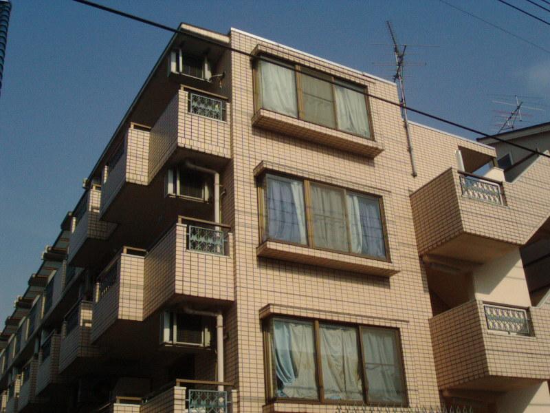 神奈川県川崎市幸区、川崎駅徒歩22分の築29年 4階建の賃貸マンション