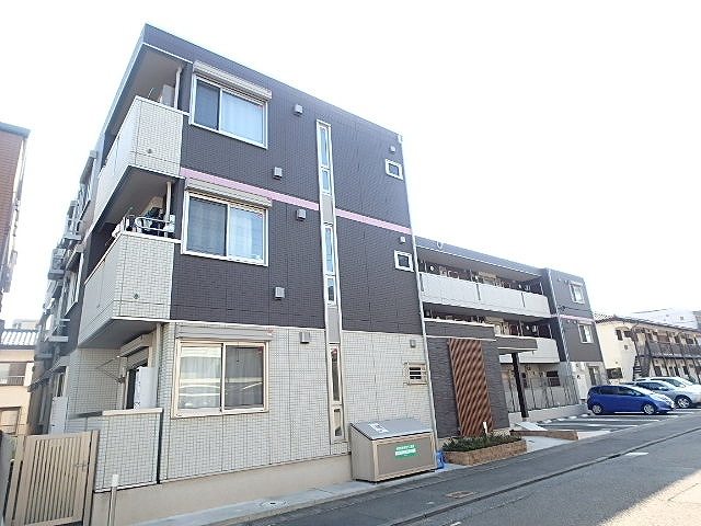 神奈川県川崎市宮前区、宮前平駅徒歩20分の築3年 3階建の賃貸アパート