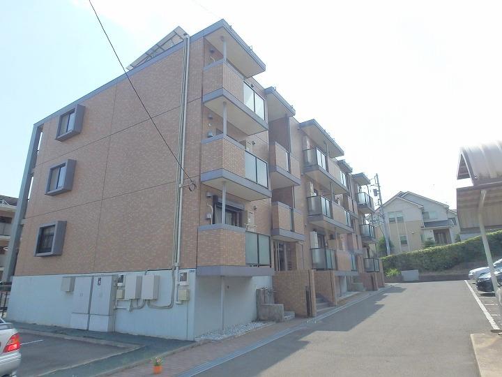 神奈川県川崎市宮前区、津田山駅徒歩26分の築10年 3階建の賃貸マンション