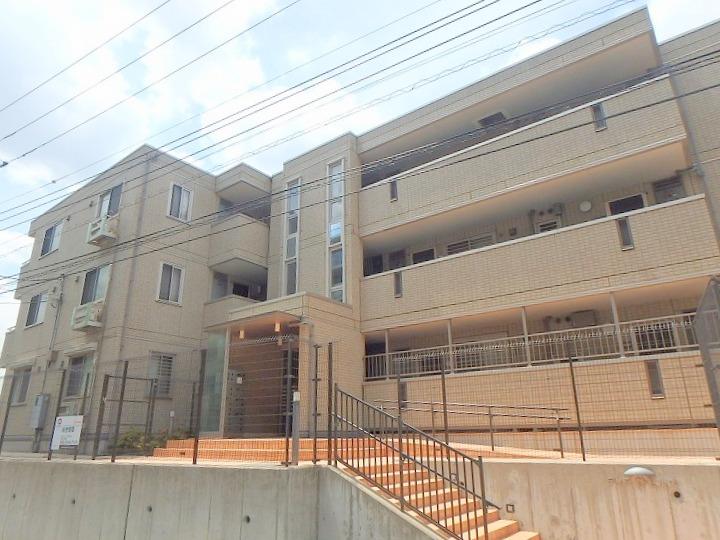 神奈川県川崎市宮前区、宮前平駅徒歩27分の築11年 3階建の賃貸アパート