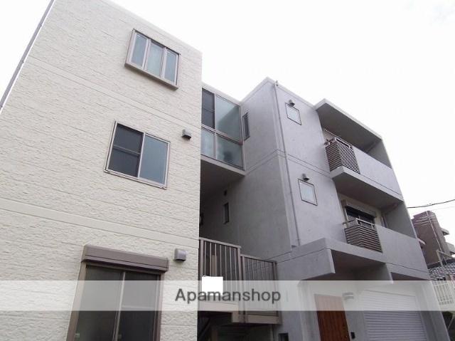 神奈川県川崎市宮前区、鷺沼駅徒歩9分の築8年 3階建の賃貸マンション