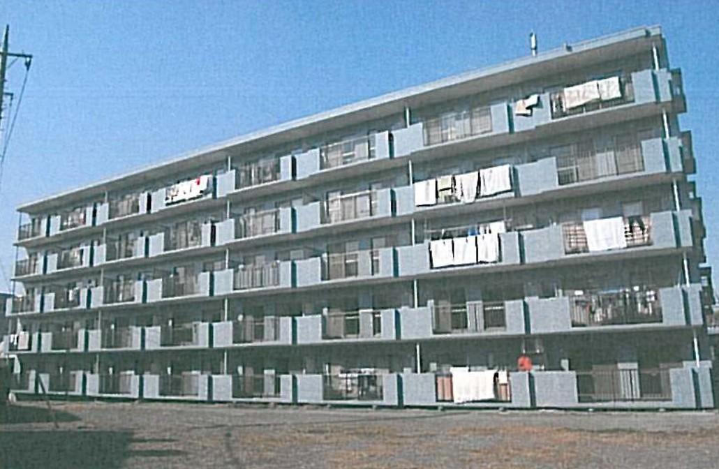 神奈川県横浜市青葉区、たまプラーザ駅バス10分荏子田2丁目下車後徒歩3分の築23年 5階建の賃貸マンション