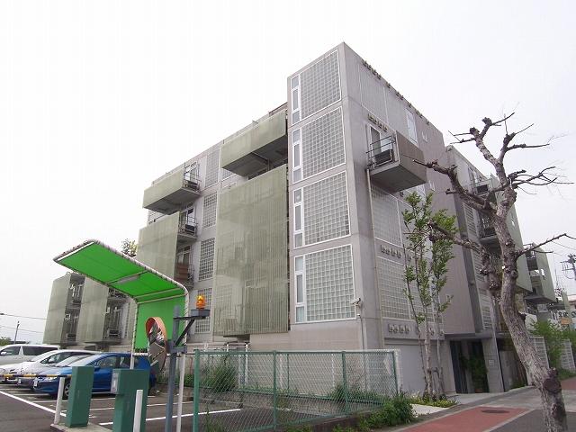 神奈川県横浜市青葉区、鷺沼駅徒歩27分の築12年 5階建の賃貸マンション
