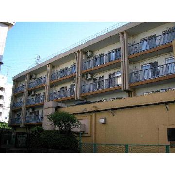 神奈川県横浜市青葉区、藤が丘駅徒歩22分の築39年 4階建の賃貸マンション