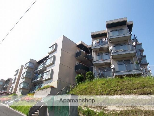 神奈川県横浜市青葉区、藤が丘駅徒歩33分の築32年 3階建の賃貸マンション