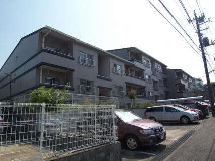 神奈川県横浜市青葉区、青葉台駅徒歩18分の築27年 3階建の賃貸マンション