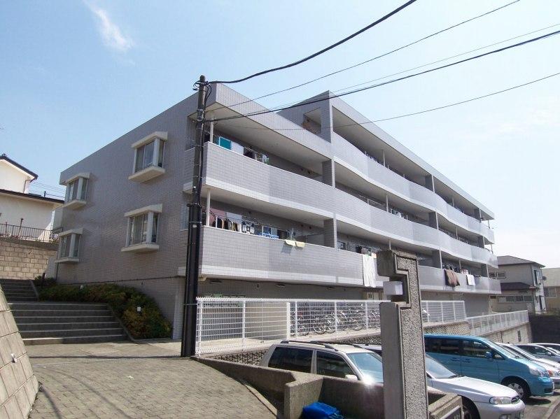 神奈川県横浜市青葉区、十日市場駅徒歩18分の築28年 3階建の賃貸マンション