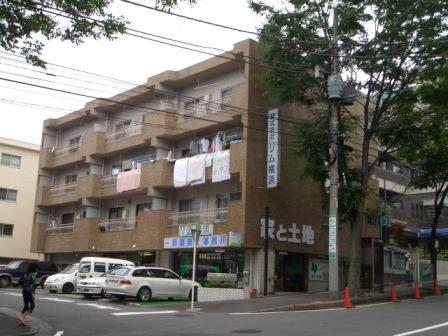 神奈川県横浜市青葉区、たまプラーザ駅徒歩10分の築40年 4階建の賃貸マンション