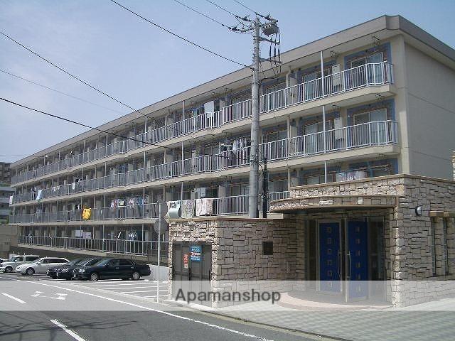 神奈川県横浜市青葉区、藤が丘駅徒歩19分の築44年 4階建の賃貸マンション