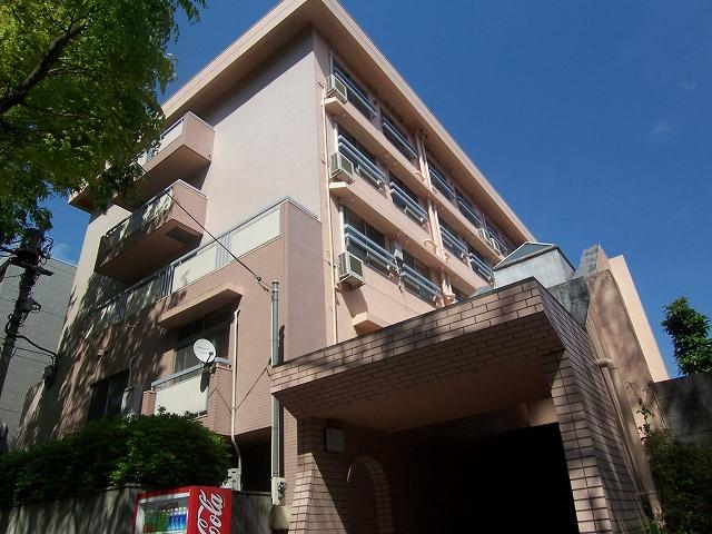 神奈川県横浜市青葉区、たまプラーザ駅徒歩10分の築41年 4階建の賃貸マンション