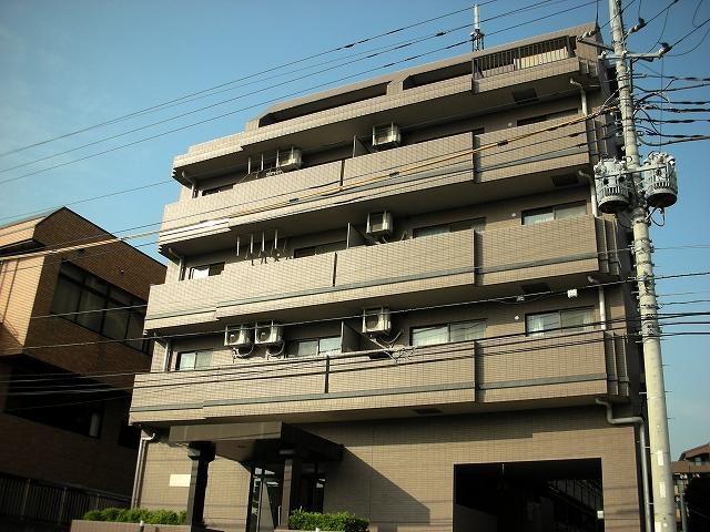 神奈川県川崎市高津区、溝の口駅徒歩19分の築21年 5階建の賃貸マンション