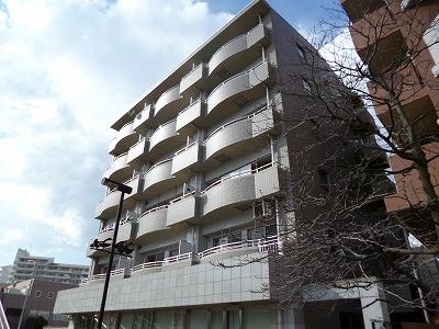 神奈川県横浜市都筑区、あざみ野駅徒歩21分の築15年 6階建の賃貸マンション