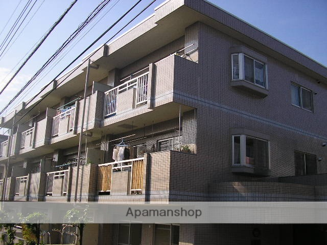 神奈川県横浜市青葉区、江田駅徒歩16分の築26年 3階建の賃貸マンション
