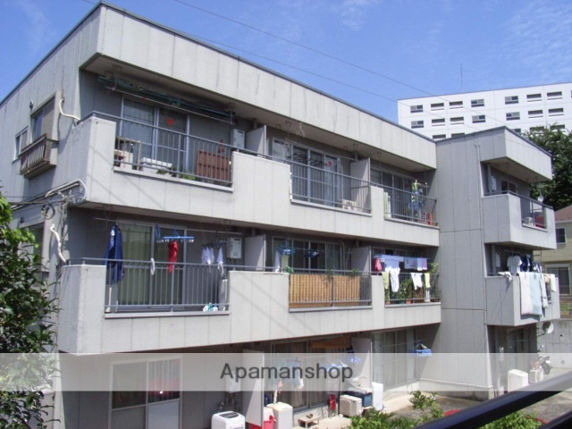 神奈川県横浜市鶴見区、国道駅徒歩10分の築32年 3階建の賃貸マンション