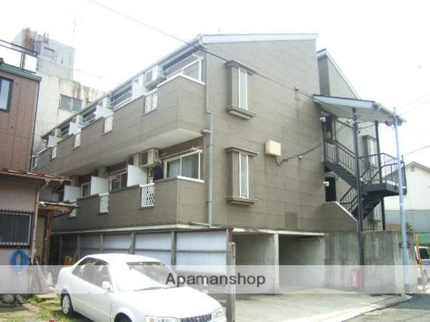 神奈川県横浜市鶴見区、鶴見駅徒歩15分の築23年 3階建の賃貸アパート